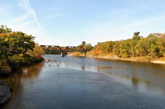 brunswick-maine-swinging-bridge-view-east