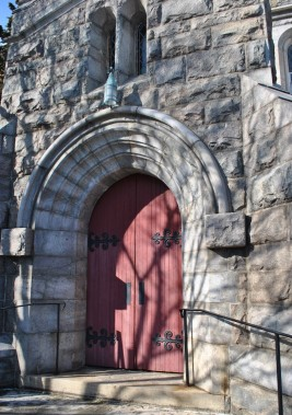 saint-peters-episcopal-side-door