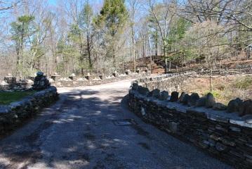 Gillette castle driveway
